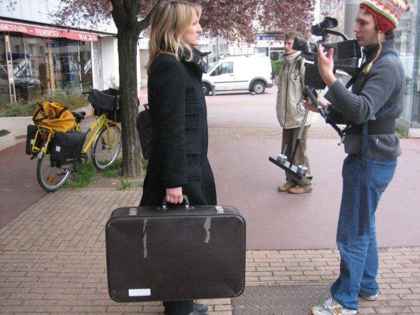 """Cécile Giroud et Jérémy Zucchi sur le tournage du court-métrage """"Les Absents"""" (2008)"""
